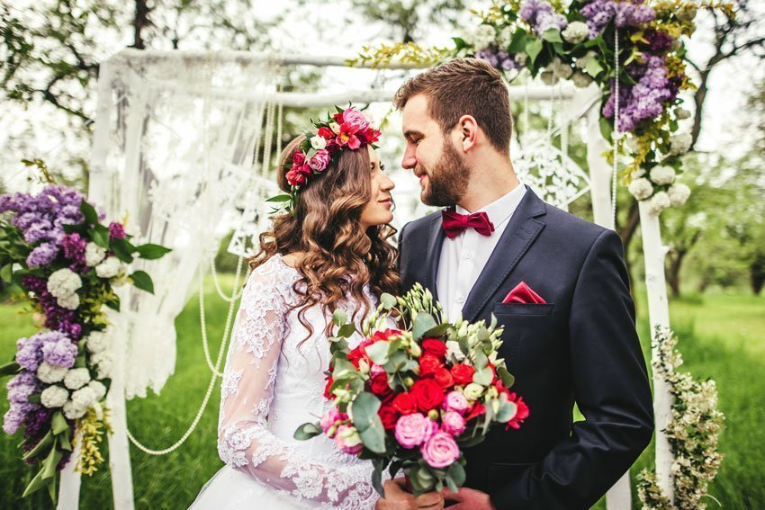 Berry and Pale Wedding Colours