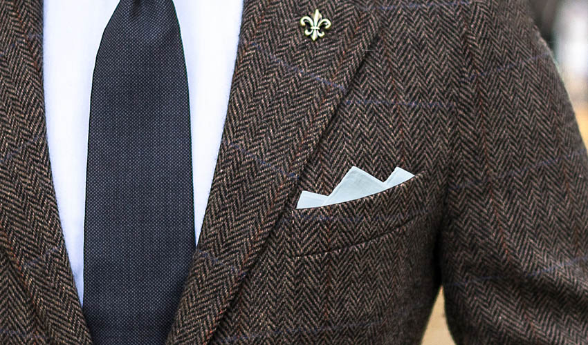 fe1960f2c5ada How To Fold a Three-Point Pocket Square